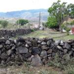Cerco de piedra en la prolongación de la calle Aquiles Serdán | Click para ampliarla